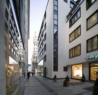 Weinstraße in München